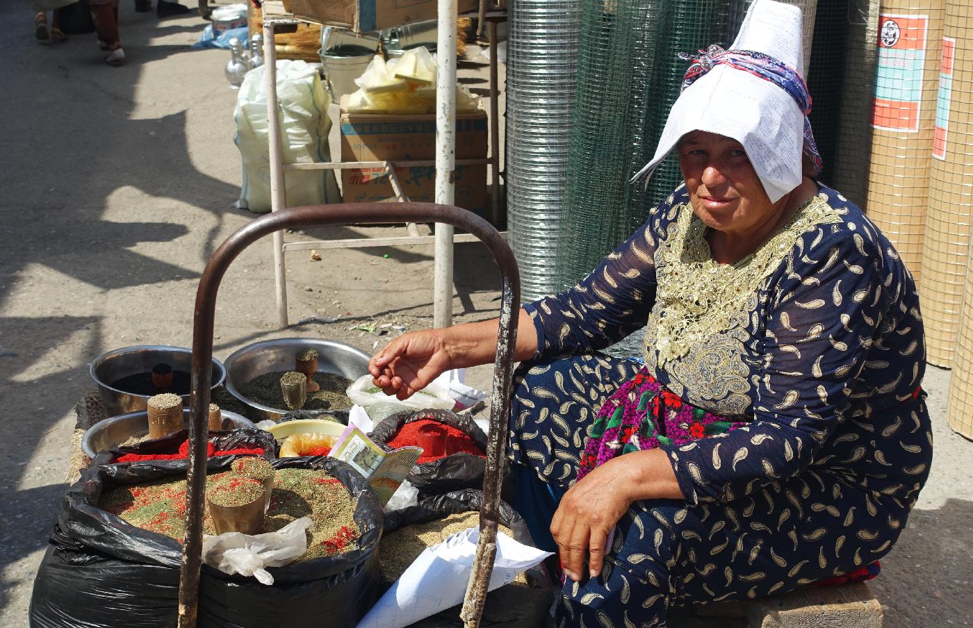 Ferghana market vendor woman uzbekistan
