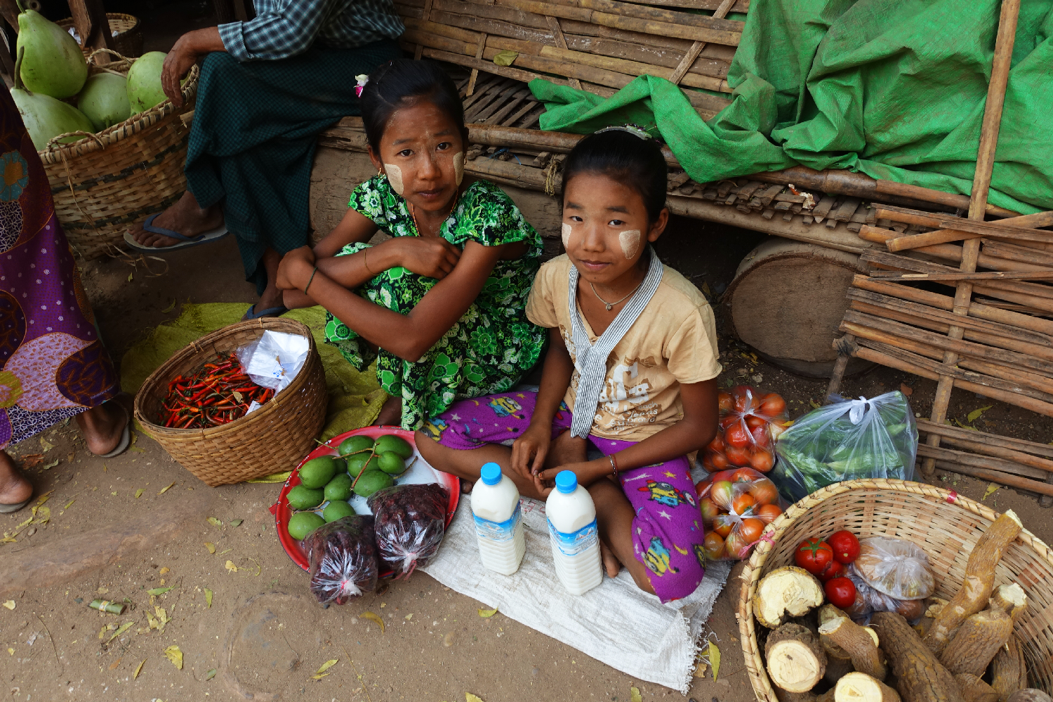 bagan girls market Myanmar
