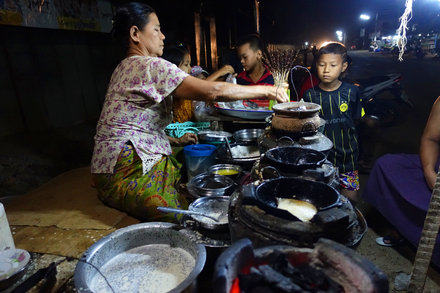 Dawei street night market