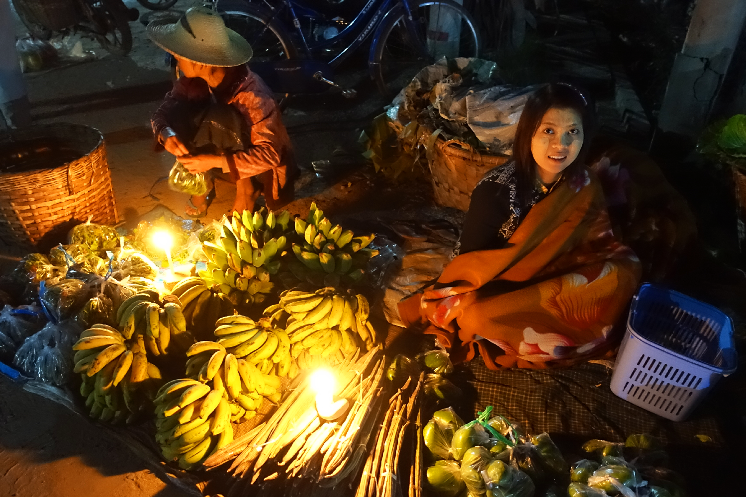 hsipaw night market Myanmar
